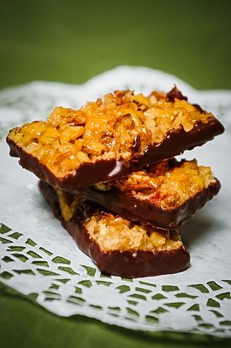 Florentiner Plätzchen werden in der Regel mit Mandelplättchen gebacken. Wir haben den Klassiker neu interpretiert und ein Rezept mit Walnüssen entwickelt.