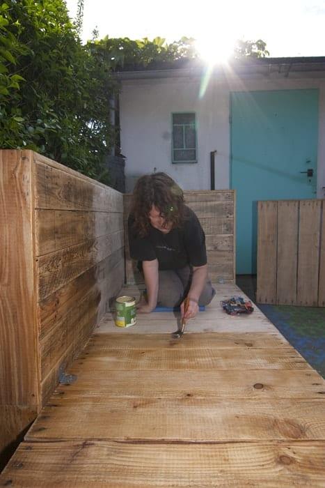 Bauanleitung Paletten-Lounge, anstreichen