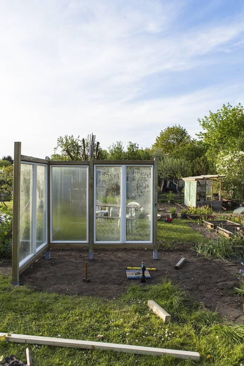 tomatenhaus selbst bauen bauanleitung. Black Bedroom Furniture Sets. Home Design Ideas