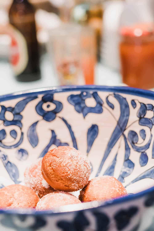 Rezept für Karnevalskrapfen, in Zucker wälzen