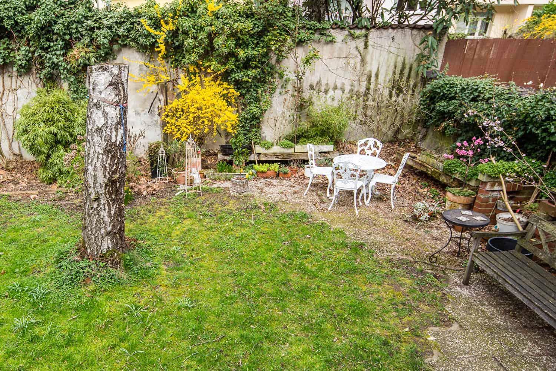 Der alte Sitzplatz in unserem Garten