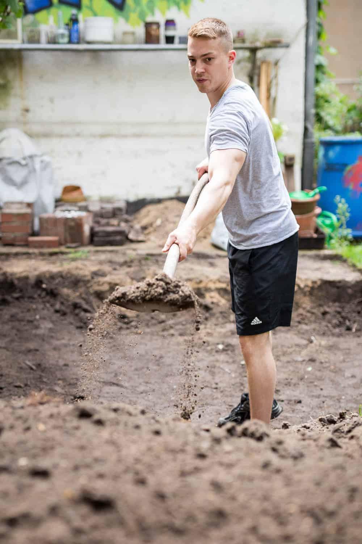 Terrasse bauen, Baugrube ausheben
