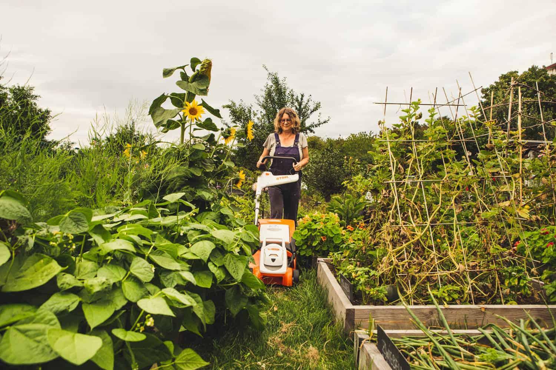 Stihl Rasenmäher für schmale Rasenwege